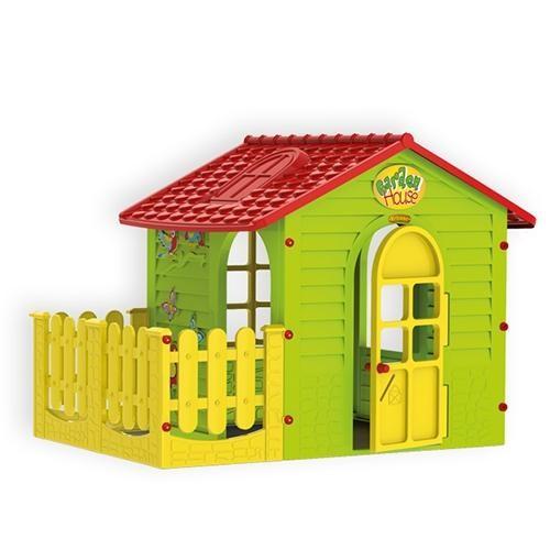 Пластиковый домик с забором