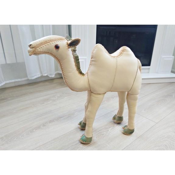 """Игрушка из натуральной кожи """"Верблюд"""""""